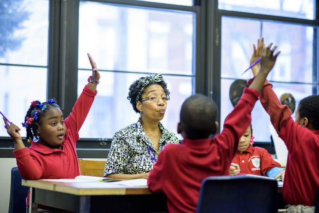 AARP Experience Corps volunteer helps kids learn to read